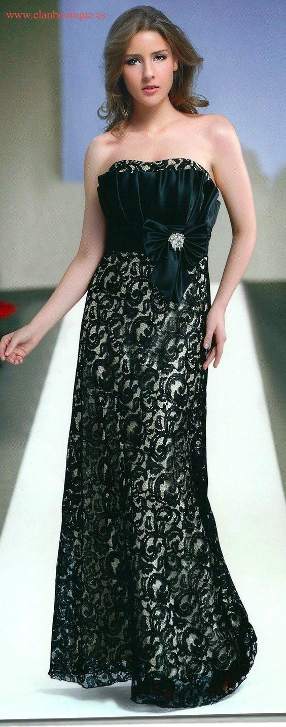 Vestido de blonda en blanco y negro. Elegante y sencillo a la vez.