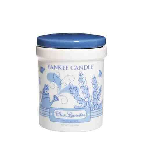 Blue Lavender Crockery Jars  Blissful fantasies take flight on butterfly wings with the enchanting bouquet of fresh lavender springs. Experience the authentic, true-to-life fragrance, with pure, natural extracts, and renowned Yankee Candle quality. This crockery jar candle is versatile and reflects a warm, relaxed sense of style that's always at home. Convenient and easy to use, these long-burning jars provide hours of true fragrance enjoyment. Burn Time 70 - 80 hours.