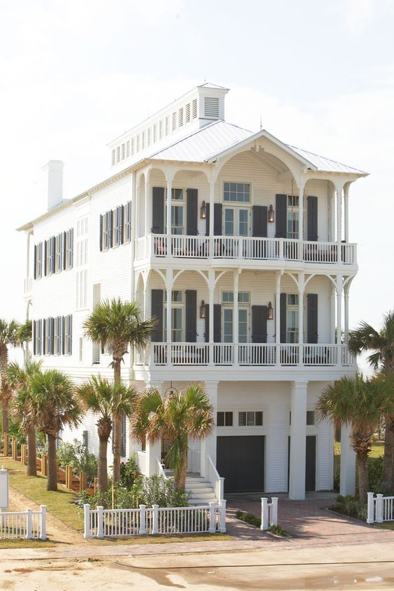Dream Beach Cottage With Neutral Coastal Decor: Dream Home: Beach Cottage, Galveston, TX. Michael G. Imber