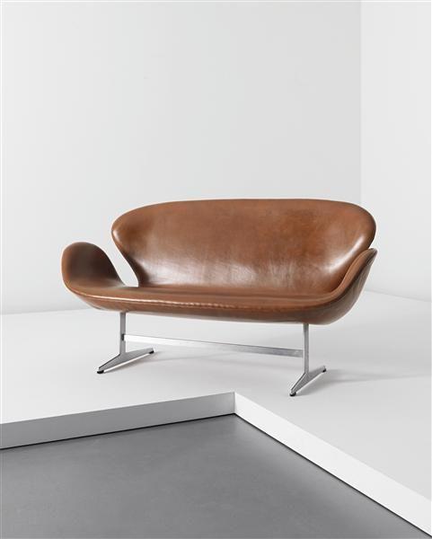 Arne Jacobsen, Sofas and Schwäne on Pinterest