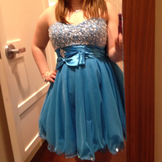 I LOVE THIS DRESS!!!!!! It looks sooooo cute on me!!!