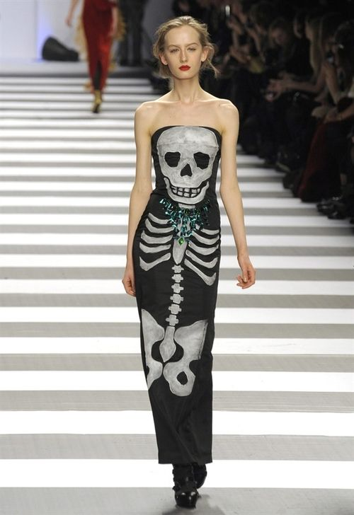 Skulls at Paris Fashion Week!