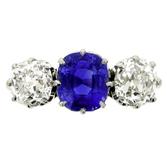 Three Stone Natural Kashmir Sapphire Diamond Ring (Berganza on 1stdibs.com)