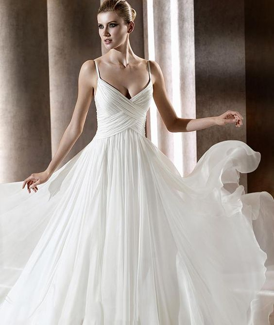 beach wedding dress, empire and simple!