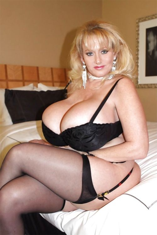Xxl Sexy Moms In Nylons 48
