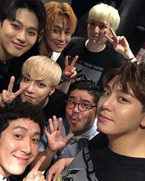 Pin By Bri On Celebrities Kpop Idols Kpop Idol Idol Celebrities