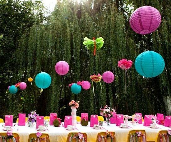 Laterne Aus Papier Fur Den Garten Dekoration Mit Kindern Dekoration Garten Kindern Laterne Papie Alice Im Wunderland Party Themen Partys Laterne Garten