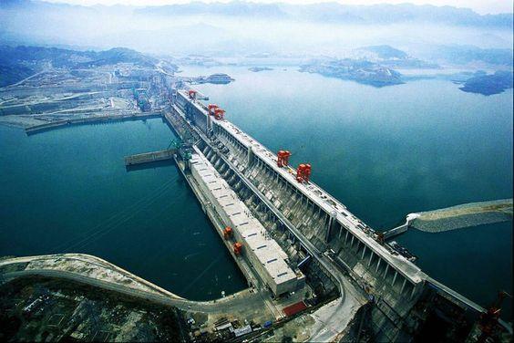 La presa de las Tres Gargantas, China