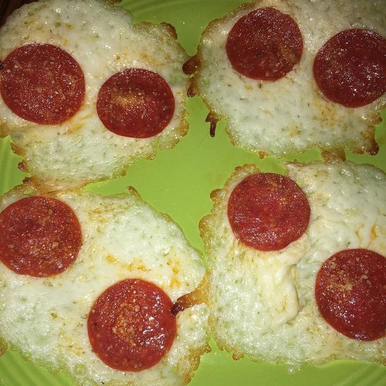 My low carb lunch! Shredded mozzarella pepperoni and sprinkled Parmesan!  I made one for my mom . #lowcarb #pizza #healthyeating #healthylifestyle #healthy #healthyhabits #healthychoices #healthysnack #babysteps #weightloss #weightlossjourney #weightlosstransformation #weightlossgoals #weightlosssupport #myweightlossjourney #losingweight #losingweightfeelinggreat #naturalweightloss #fattofit #fittofattofit #extremeweightloss #smoothieaddict #fitbit #fitbitblaze by fittybitty.tabi