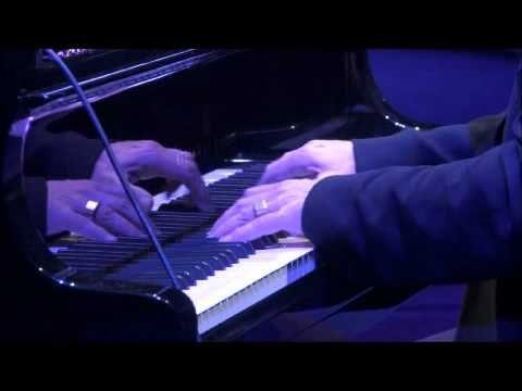 Ludovico Einaudi - Lady Labyrinth & Nightbook - YouTube