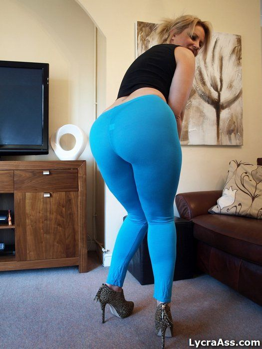 Milf In Stretch Pants