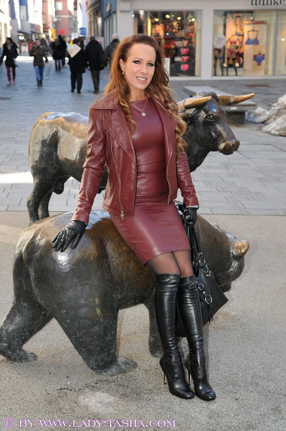 Real Fetish Leather Women In Pinterest Lady