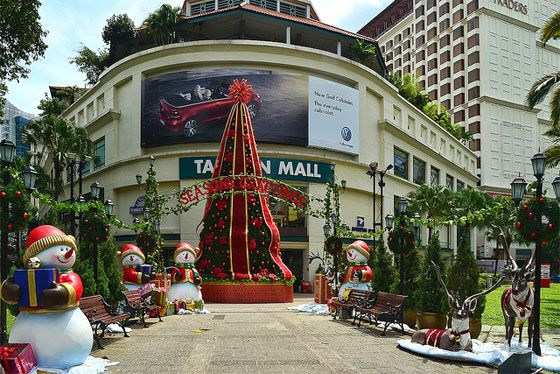Let it Snow at Tanglin Mall Singapore   — As seen on Sparklette.net