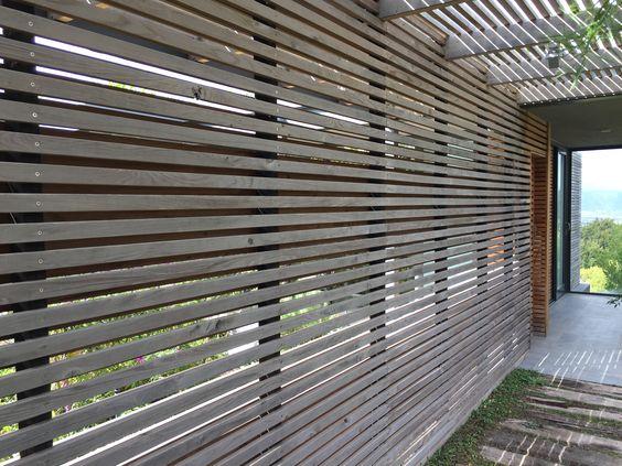 Horizontal timber trellis