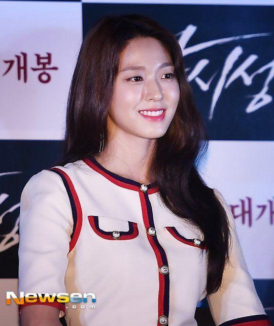 The Biggest Asian Idols Tumblr Blog Kpop Jpop Cpop Girlgroups Models Gravure Idols Ulzzangs Race Queens Every 10 Minutes Or Seolhyun Race Queen Aoa
