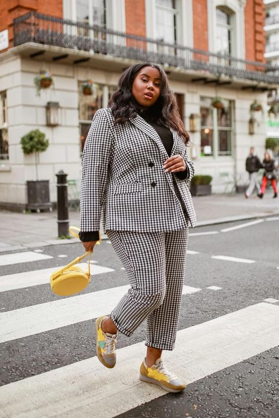 Classic outfit ideas: checked trouser suit