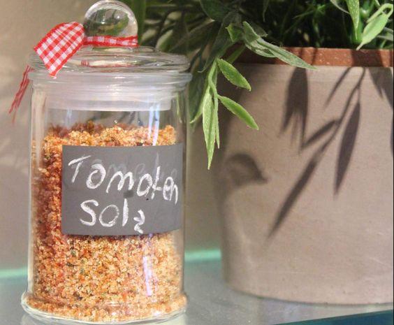 Rezept Tomatiges Gewürzsalz von Trigares - Rezept der Kategorie Grundrezepte