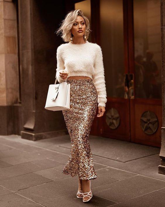 outfits casuales con faldas doradas fiesta