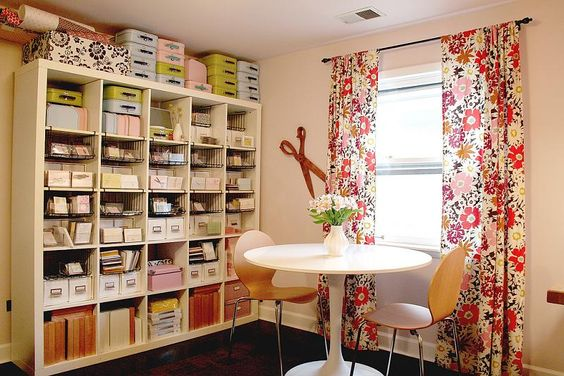 A great, organised craft space. My room will look like this....one day!