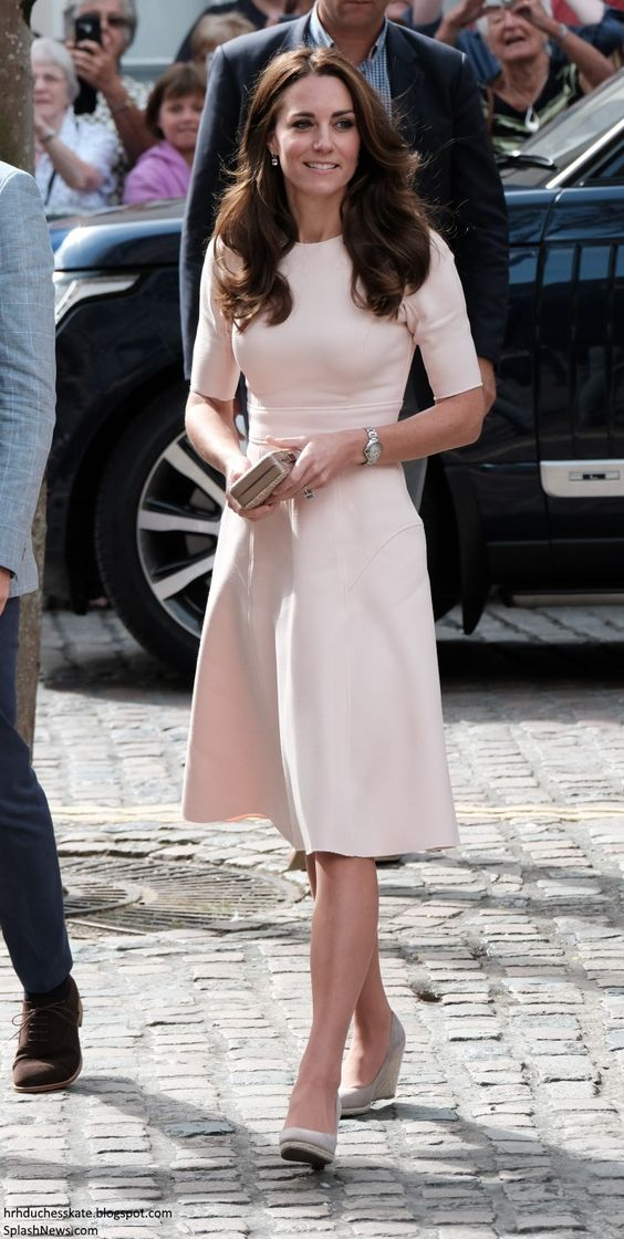hrhduchesskate:  Visit to Cornwall, September 1, 2016-For her visit, the Duchess of Cambridge debuted a new Lela Rose 'Double Faced Twill Elbow Sleeve Dress' in blush pink, and accessorized with her Monsoon Fleur wedges, L.K. Bennet 'Natalie' clutch, Kiki McDonough Pink Morganit Cushion Drops, and 'Cartier Ballon Bleu' watch