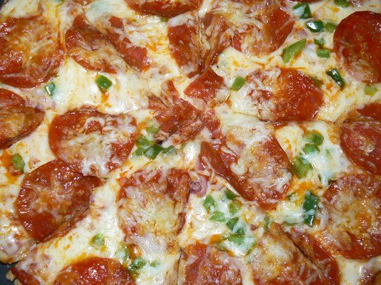 "Pepperoni, Green Peppers, Onions, and ""Lots 'O Mozz"" Pizza 