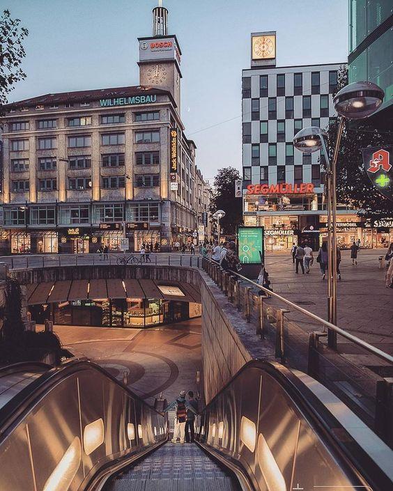 1,259 отметок «Нравится», 10 комментариев — Citywoo Stuttgart (@citywoo.de) в Instagram: «Guten Abend und schönen Start ins Wochenende • 📸 @stadtblick.stuttgart • • #stuttgart #0711 #stuggi…»
