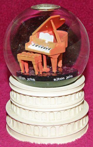Elton John Las Vegas Million Dollar Piano Musical Snow Globe