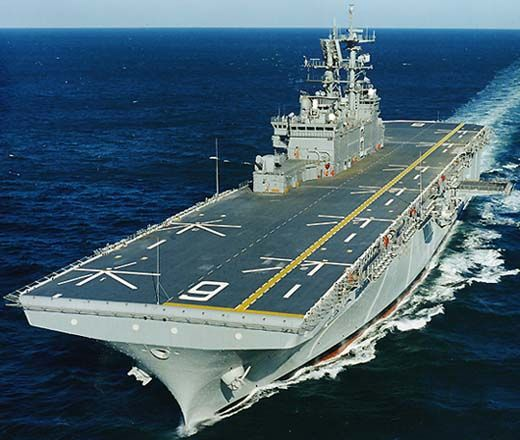 USS Bonhomme Richard (LHD 6) arrived in Subic Bay, Philippines on Oct…