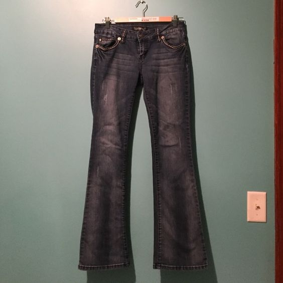 """⭐️Very comfy Ymi jeans. Size 7 (juniors) ymi jeans. Inseam is 30.5"""" only worn a couple times. Smoke free home  YMI Jeans Boot Cut"""