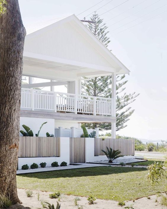 Modern Coastal Design In 2020 Beach House Interior Modern Beach House Beach House Design