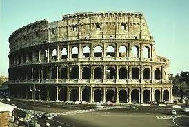 (5) 79 – El emperador romano Vespasiano muere y lo sucede su hijo Tito, este año se inaugura en Roma el anfiteatro Flavio o Coliseo.