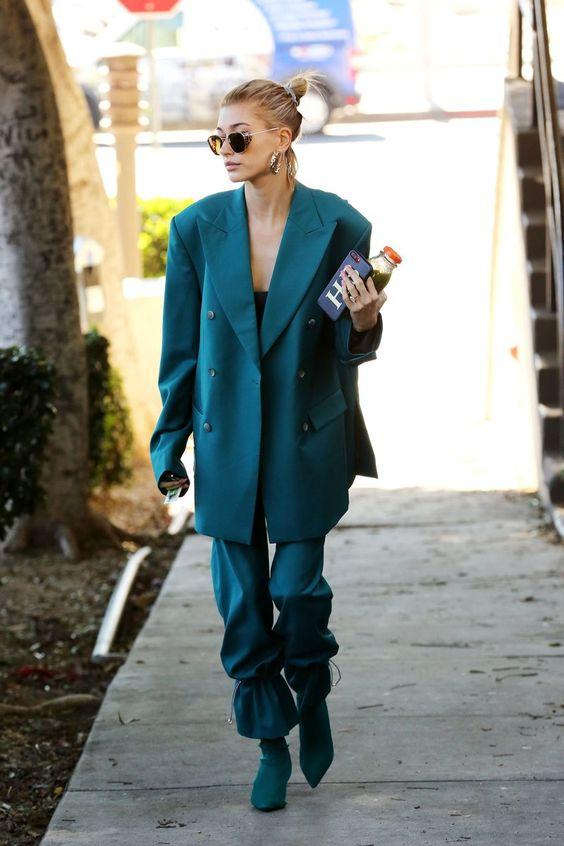 Hailey Baldwin in Oversized jacket suit #fashionpants #fashion #fashionista #powersuit #womeninsuits #empoweringwomen #getinspired #fempower