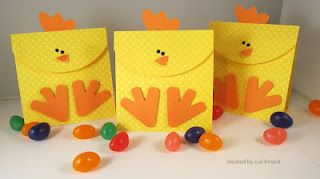 Here chickie chickie!! Cute idea. See this and more at Sue's Stamping Stuff Blog. http://suesstampingstuff.blogspot.com: