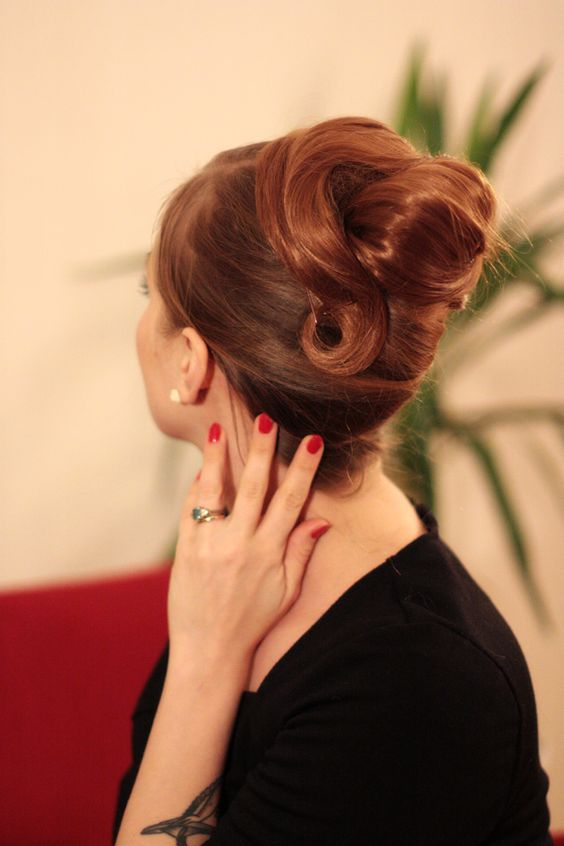 roll hair style updo the 1960s and 1960s on 4683
