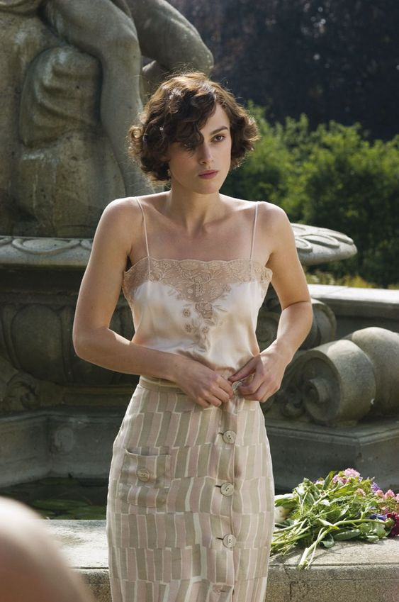 Costume design by Jacqueline Durran for Atonement (2007)