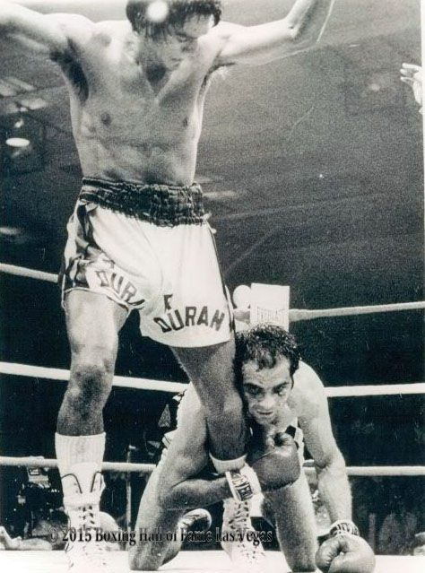 This Day in Boxing May 22, 1976 Roberto Duran stops a tough Lou Bizzarro in Pittsburgh https://youtu.be/K0KaeTAjRWI