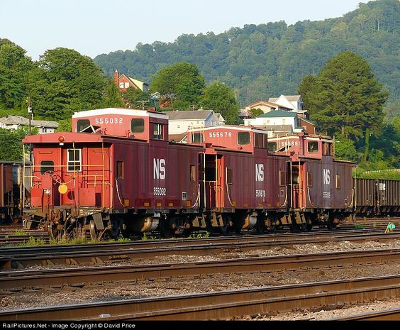 RailPictures.Net Photo: NS 555032 Norfolk Southern Unknown at Williamson, West Virginia by David Price