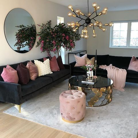 Chic Dreamy Modern Living Room With Pink Suede Shades And Black Multi Crystal Lig Apartment Decorating Living Living Room Decor Apartment Apartment Living Room