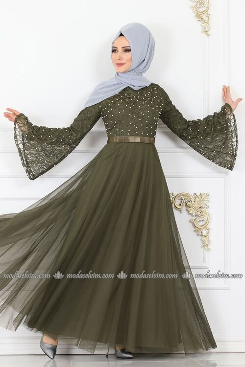 Modaselvim Abiye Fiyonk Detay Incili Tesettur Abiye 81663bn1 In 2020 Bridal Dress Design Muslimah Fashion Outfits Indian Bridal Outfits