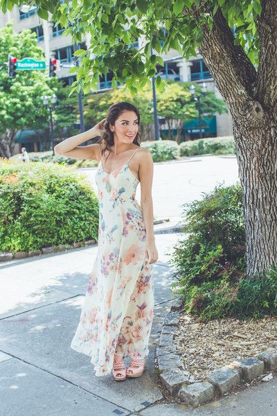 Attending a summer wedding? This Watercolor Floral Print Maxi is the PERFECT outfit for you! Shop EVERYTHING $42 or LESS at Entourage!