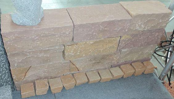 Sandstein-Mauersteine in vielen bunten Farben, z.B. aus den Vogesen!