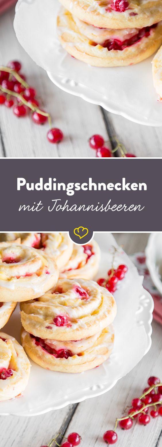 Na Schnecke? Lust auf was Saures? Wenn es sich cremiger Vanillepudding und saftige Johannisbeeren in fluffigem Hefeteig gemütlich machen, kann das nur genial sein. Da kannst du dir ruhig mal ein Schneckchen gönnen…oder zwei.