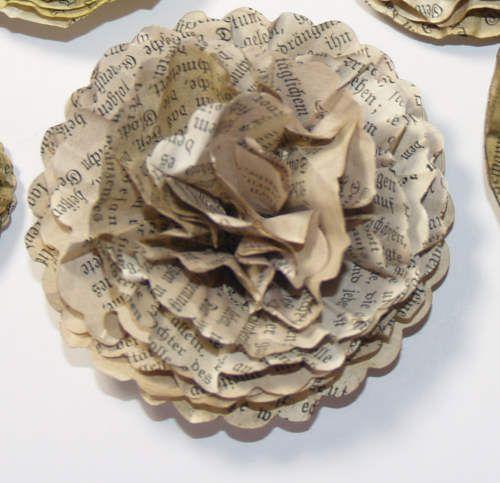 papierblumen aus kreisen bastelfrau scrapbooking cards pinterest basteln. Black Bedroom Furniture Sets. Home Design Ideas