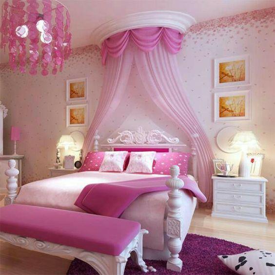 tolles bett mit einem rosigen schleier - gemütliches schlafzimmer ...
