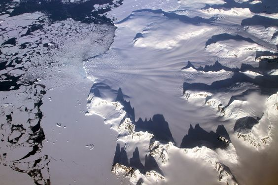 North and tropical Atlantic ocean bringing climate change to Antarctica
