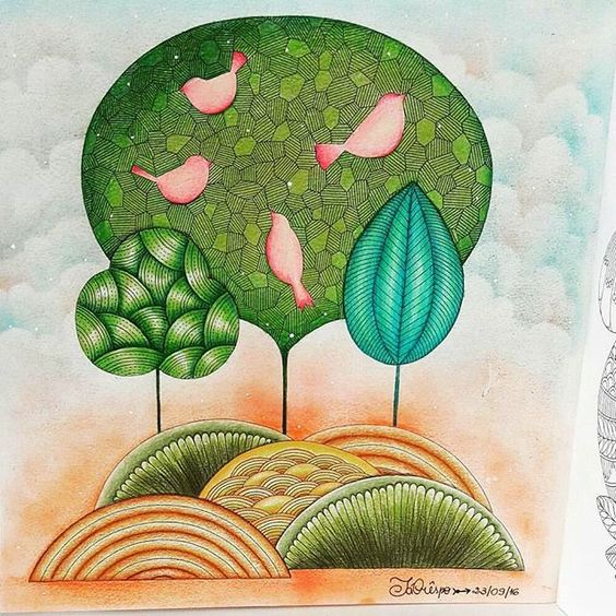 Art by @tatacrespos ❤ Genteeeeee ameiiiiiiii não só o colorido mas também o desenho em si... Achei tão interessante... Se alguém souber, me diga o nome desse livro #colorindomeujardimencantado #mycreativeescape #mandala #milliemarotta #johannabasford #secretgarden #jardimsecreto #FlorestaEncantada #enchantedforest #adultcoloringbook #blueocean #OceanLost #fabercastell #maped #staedtler #bic #stabilo #mapedcolorpeps #fabercastellbrasil #polychromos #livrocoloriramo #parkyoungmi #...