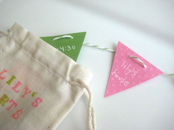 Cute invitation to an arts and crafts birthday