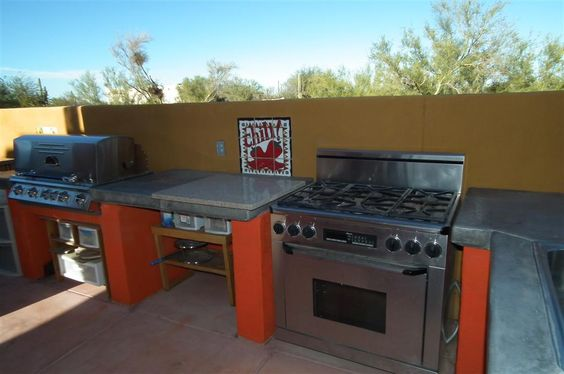 Outdoor Kitchen is available for guests to use http://www.desertjoy.net