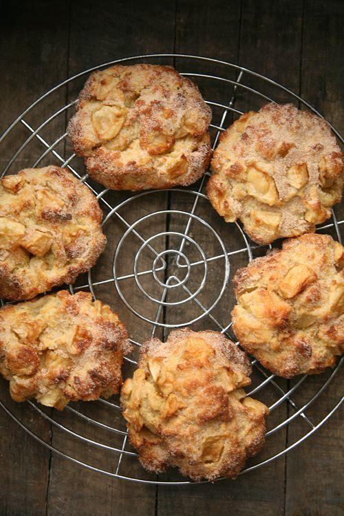 Apfeltaler / In 5 Minuten im Ofen und nach 25 Minuten servierfertig.