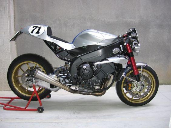 Yamaha R1 2005 cafe racer
